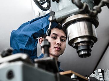 中古機械の実機視察・試運転